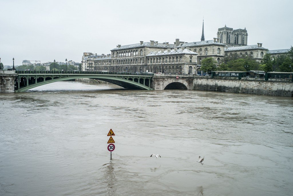 crue paris