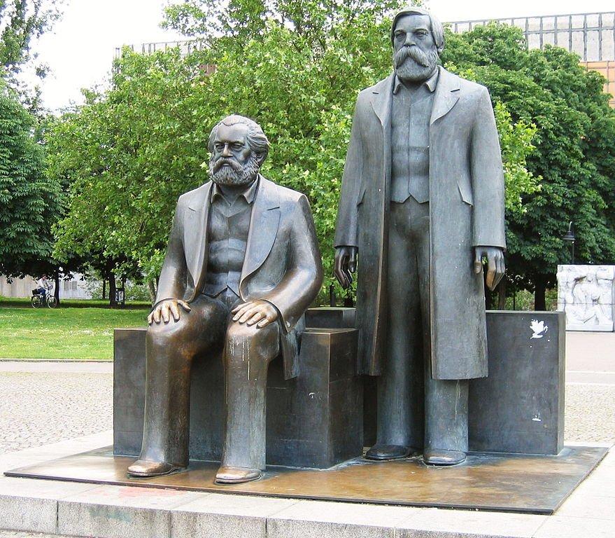 Marx_Engels_Denkmal_Berlin
