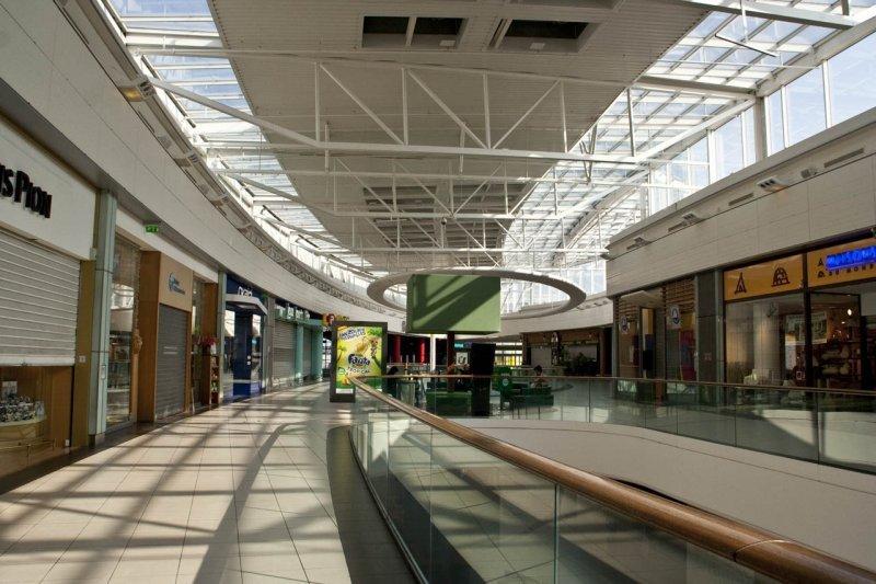 centre-commercial-vide